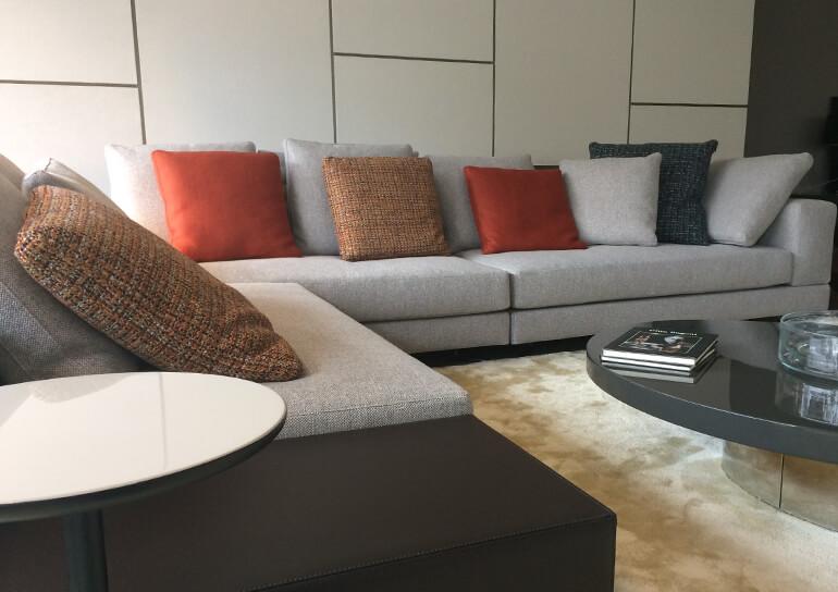 Minotti Sofa in unserer Ausstellung in Hanau